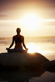 d16c0-yoga-meditation-woman-mountain