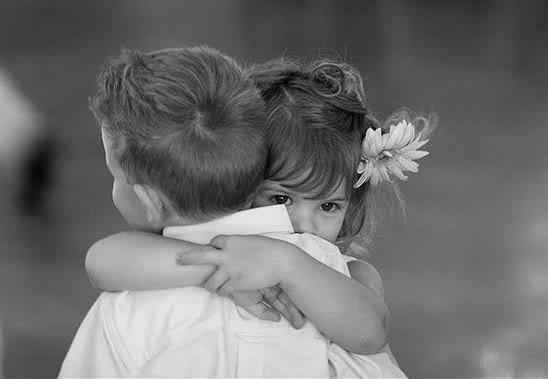 children-hugs