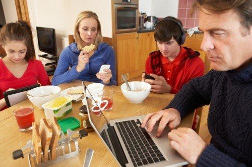 family tech phones computer